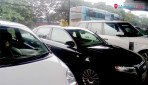 Flouting rules, used car sold under Trombay flyover