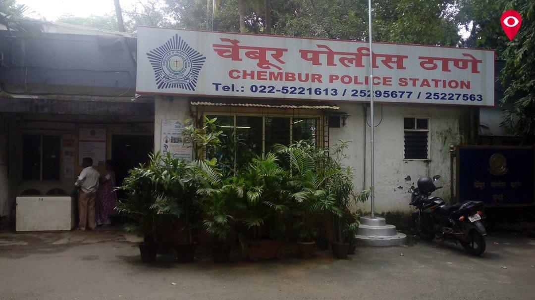 चेंबुर रेल्वे स्टेशनवर चाकूच्या धाकात मुलाला लुटले