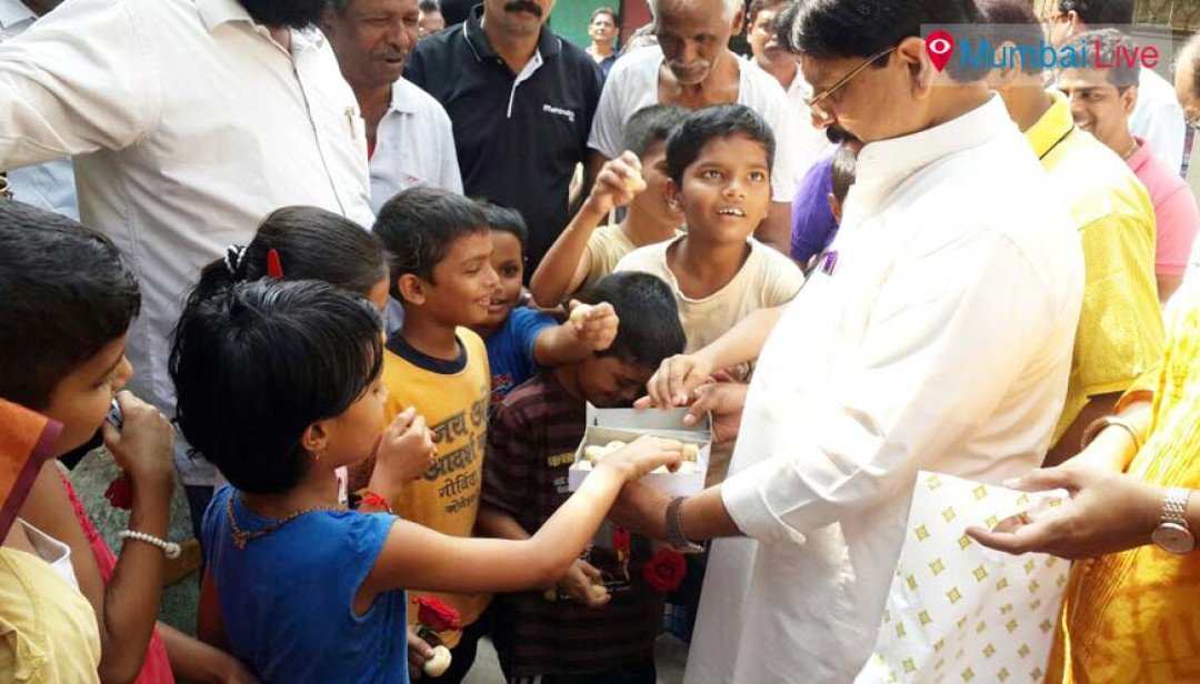 Waikar celebrates Children's Day with kids