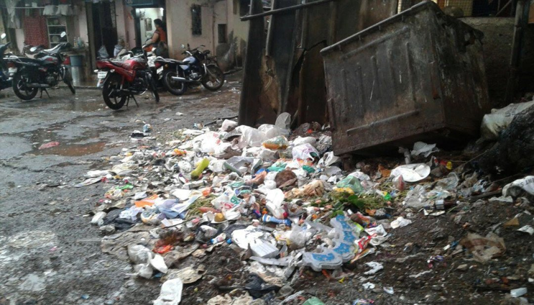Piled up waste in Chunabhatti