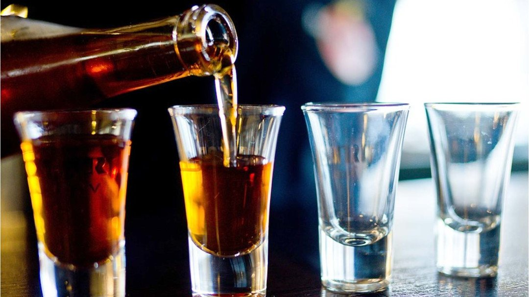 Mother files a complaint against Andheri-based club for serving her minor son alcohol