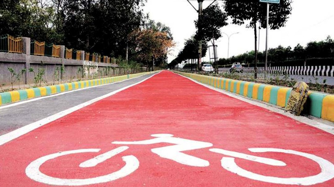 Love cycling? A cycle track might pop-up between NCPA and Bandra-Worli Sea Link!