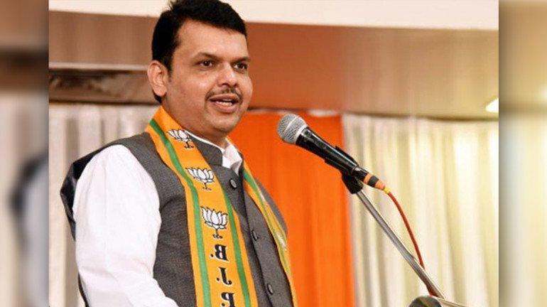 मुख्यमंत्री म्हणतात 'उत्तर भारतीयांसह इतर राज्यातून येणारे लोक मुंबईला महान बनवतात'