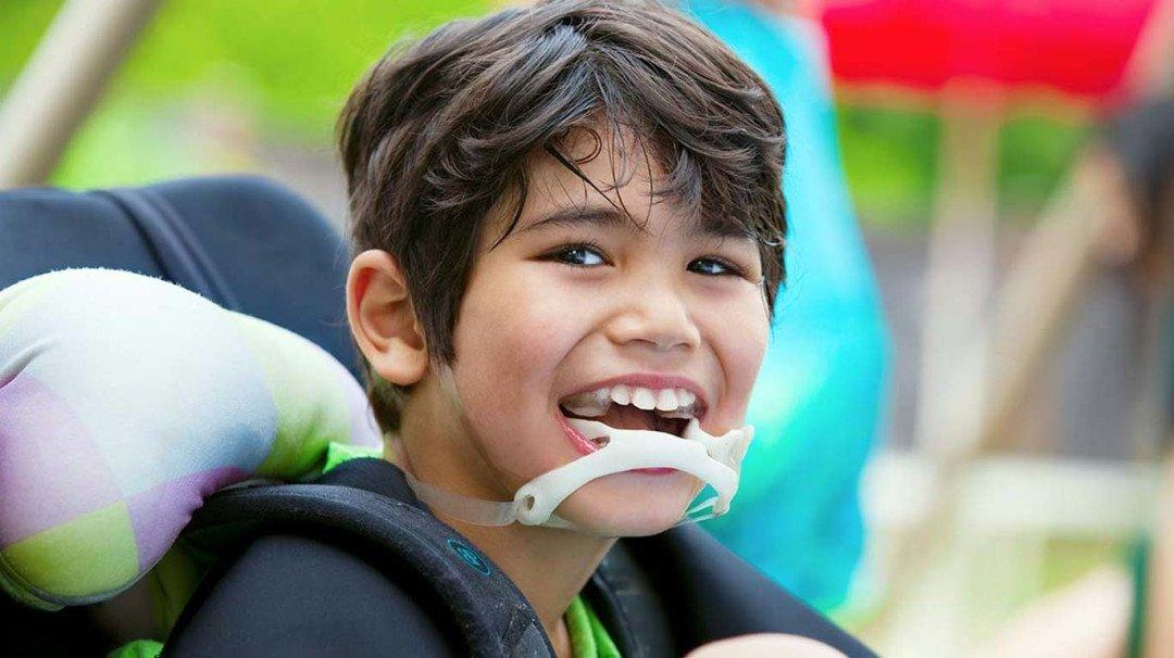 राष्ट्रीय सेरेब्रल पाल्सी दिन: योग्य उपचारांसोबतच 'त्यांना' हवीय आत्मीयता