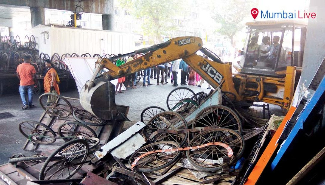 Handcarts demolished in civic drive