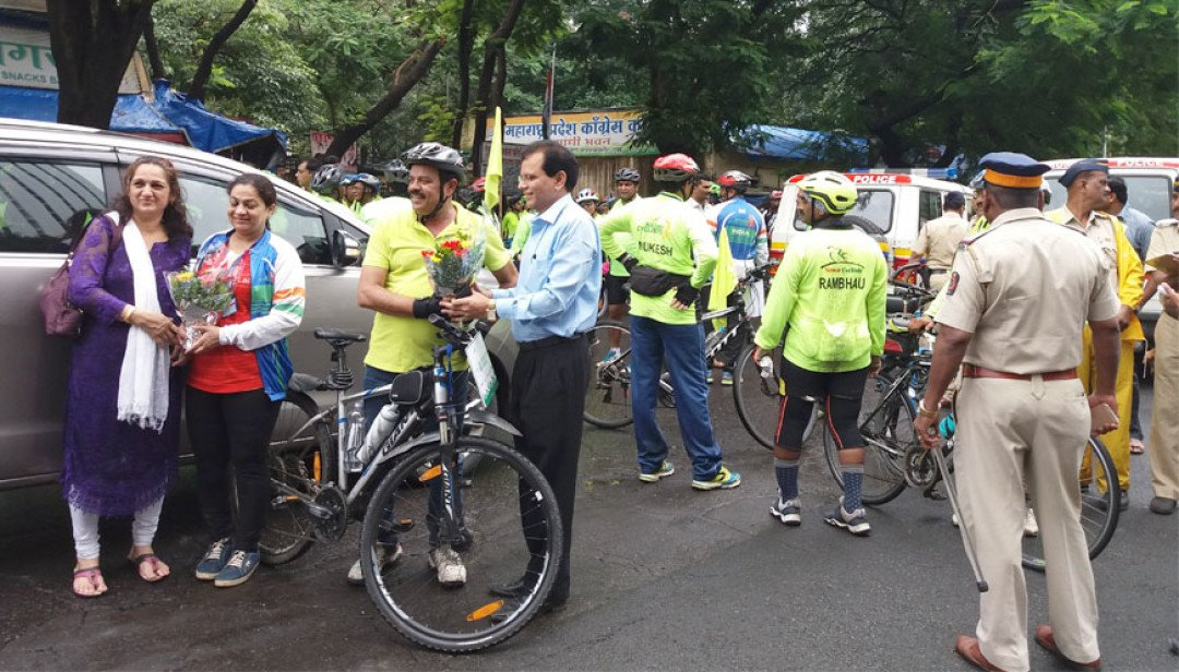 Cyclists urge to declare 2nd October as Cycling Day
