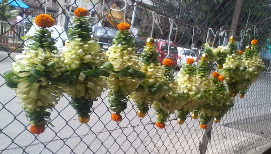 Matunga Market exhibits Eco- Friendly decoration