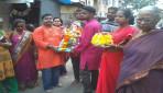 Devotees immerse Gauri-Ganpati at Sion