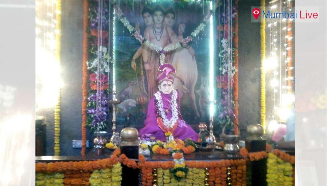 Devotees seek blessings of Lord Dattatreya