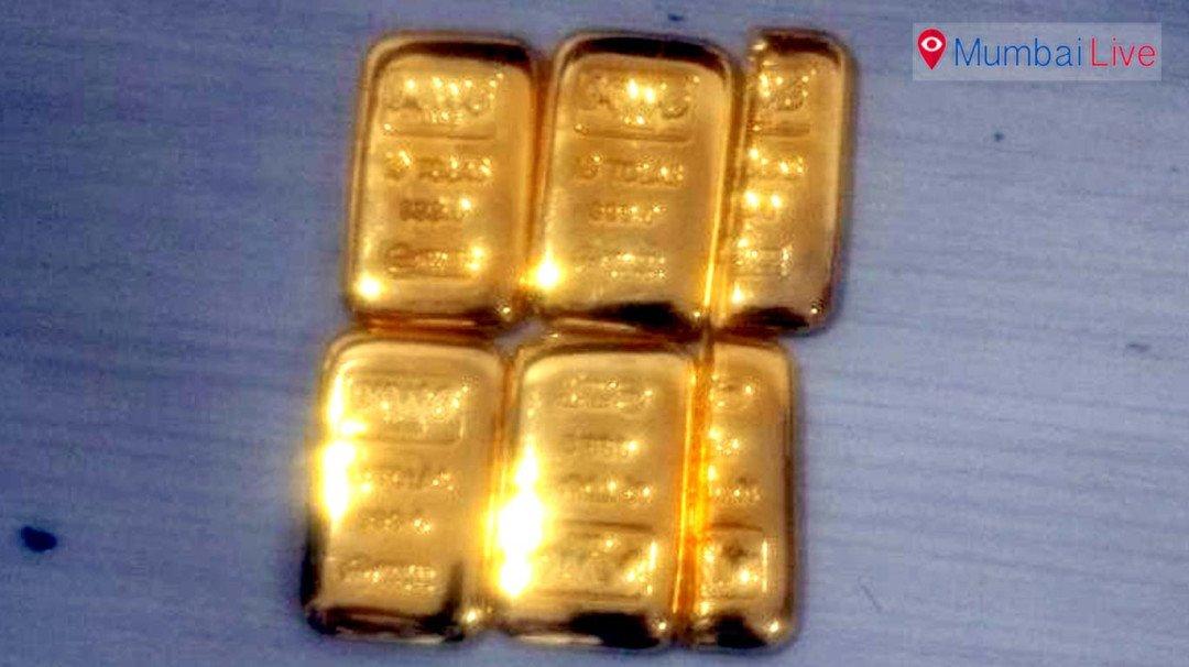 मुंबई विमानतळावर दीड किलो सोनं जप्त