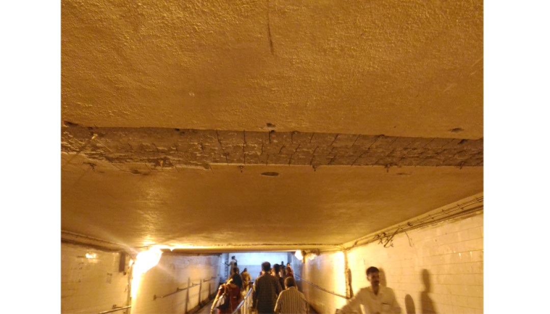 Ceiling Leakage in Goregaon Subway
