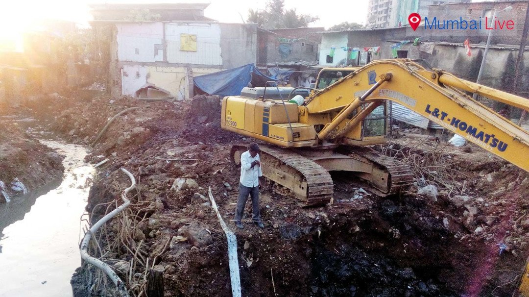 Slum dwellers protest rehabilitation