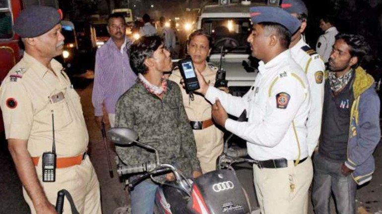 शराब पीकर बाइक चलाना पड़ा महंगा, 375 लोगों पर हुई कार्रवाई