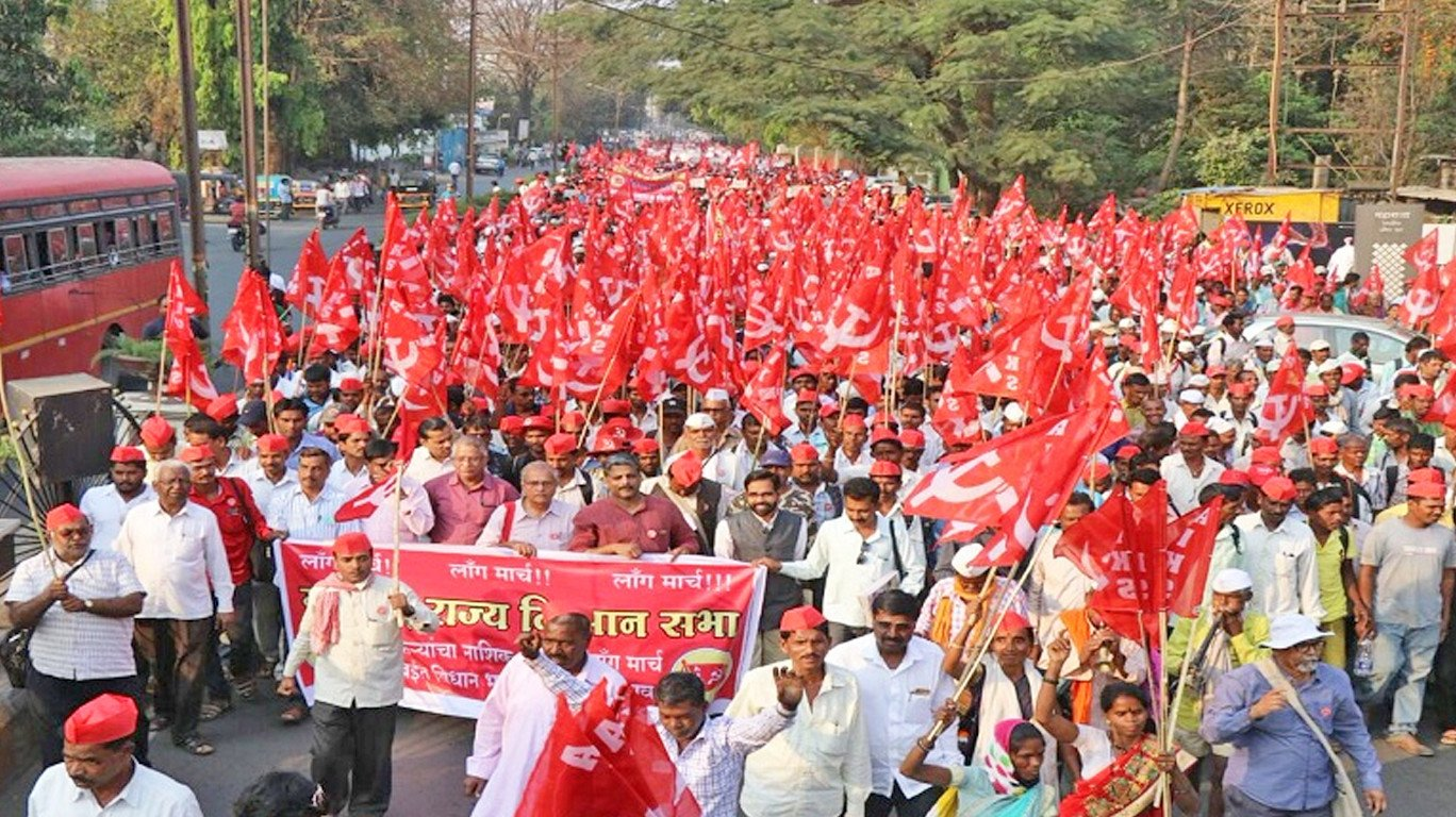 Protesting Maharashtra farmers reach Bhiwandi, demand loan waiver