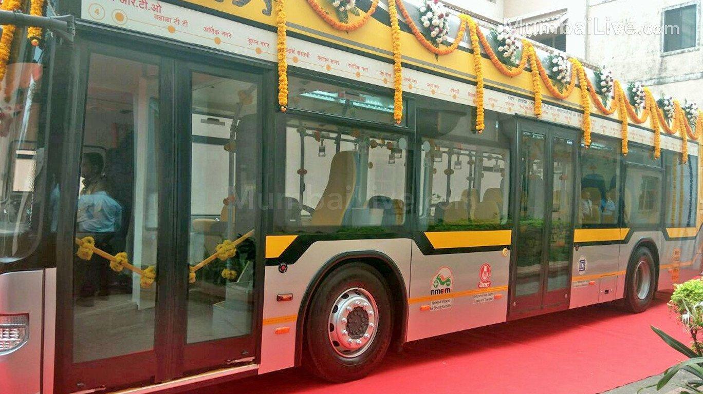 Tata Motors delivers 25 hybrid electric buses to MMRDA
