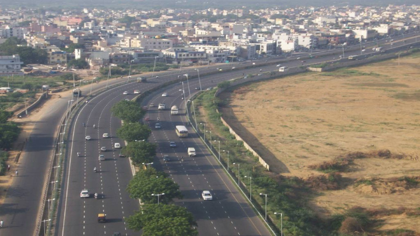 Delhi-Mumbai expressway to be built within 3 years: Nitin Gadkari
