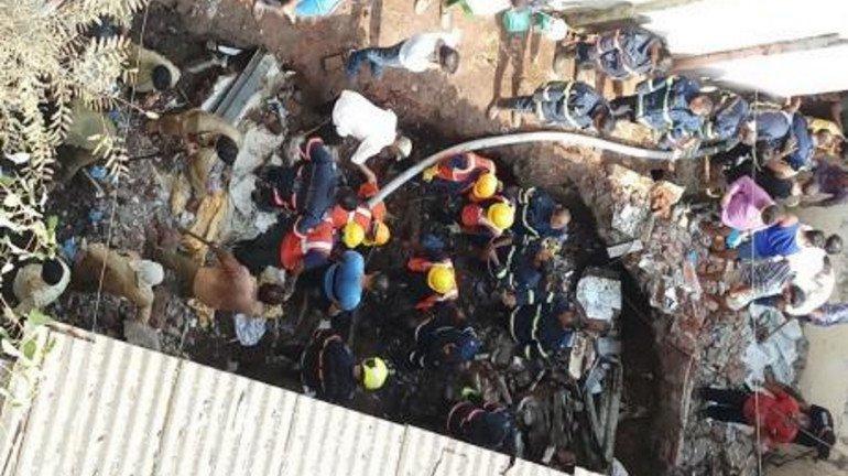 भांडुप में शौचालय गिरा, दो की मौत