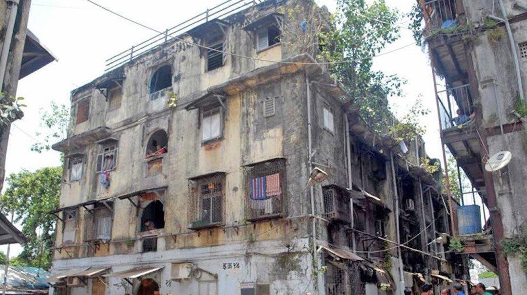 images 1528103773437 dangerous building in dadar jpg?bg=706f70&crop=1368,768,0,0&fit=fill&h=606 3157894736842&height=768&w=1080&width=1368.
