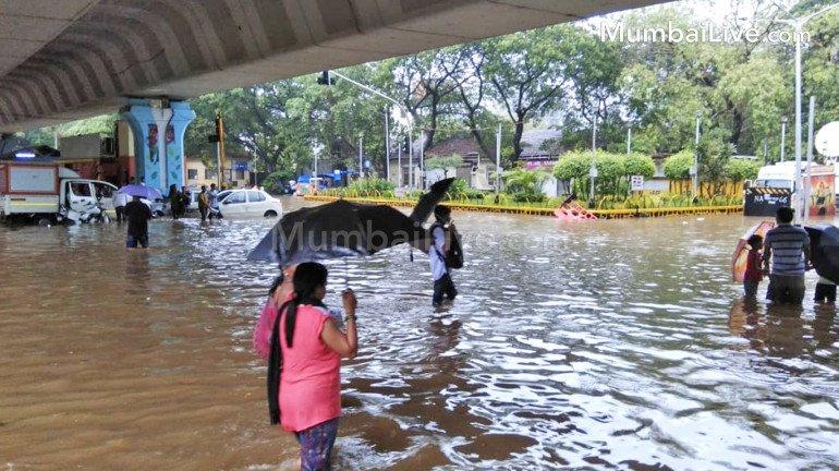 बारिश को लेकर महापौर का अजब दावा, बीजेपी ने घेरा
