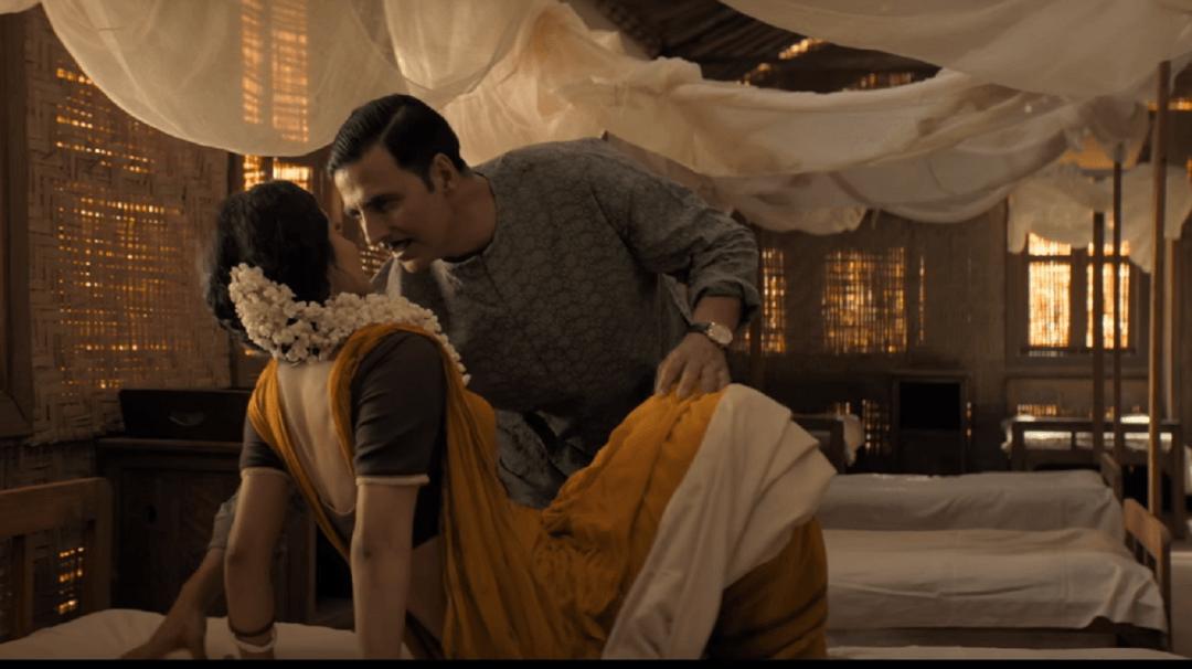 'नैनो ने बांधी' गाने में रोमांस करते दिखे मॉनी रॉय और अक्षय कुमार