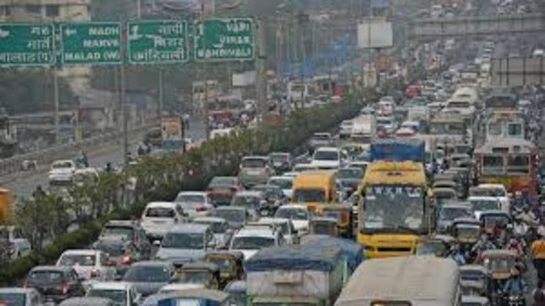 Thane's Ghodbunder Road witnesses heavy traffic jam this morning