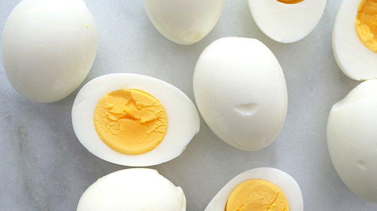 अंडे का फंडा : अशी ओळखा बनावट अंडी