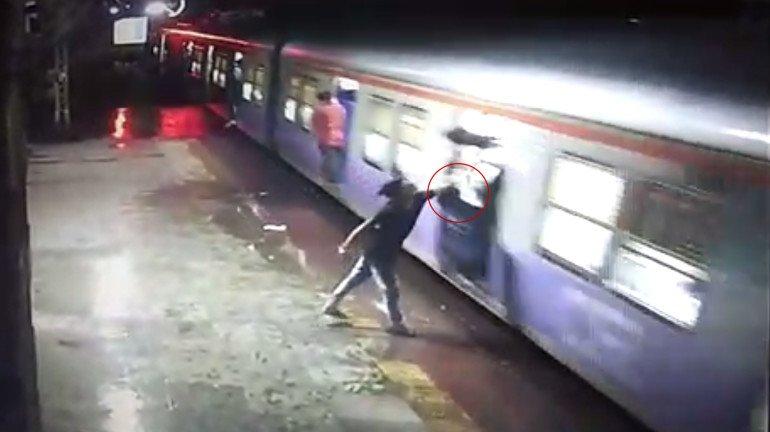 Fatal 'Fatka Gang': Man dies after jumping on Kalwa platform to retrieve stolen phone