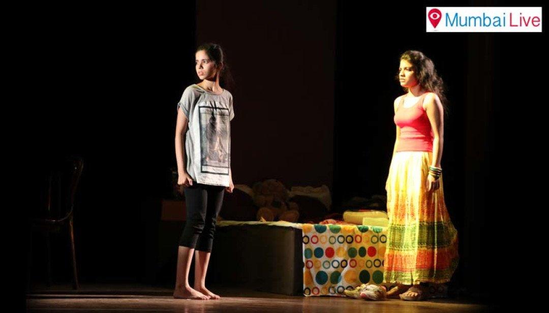 आईएनटी में नाट्यप्रेमियों का मनोरंजन