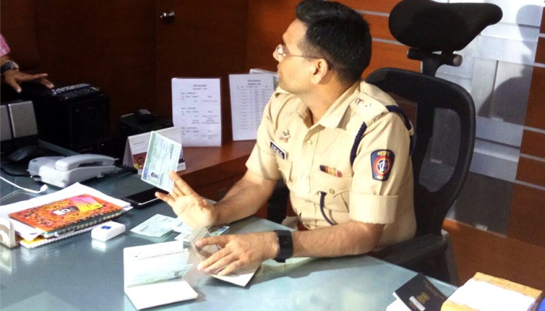 Dongri Police held Fake Passport Gang
