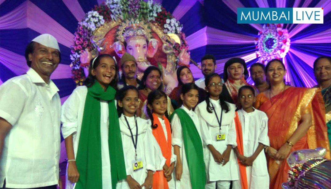 आरती में हिंदू-मुस्लिम एक साथ