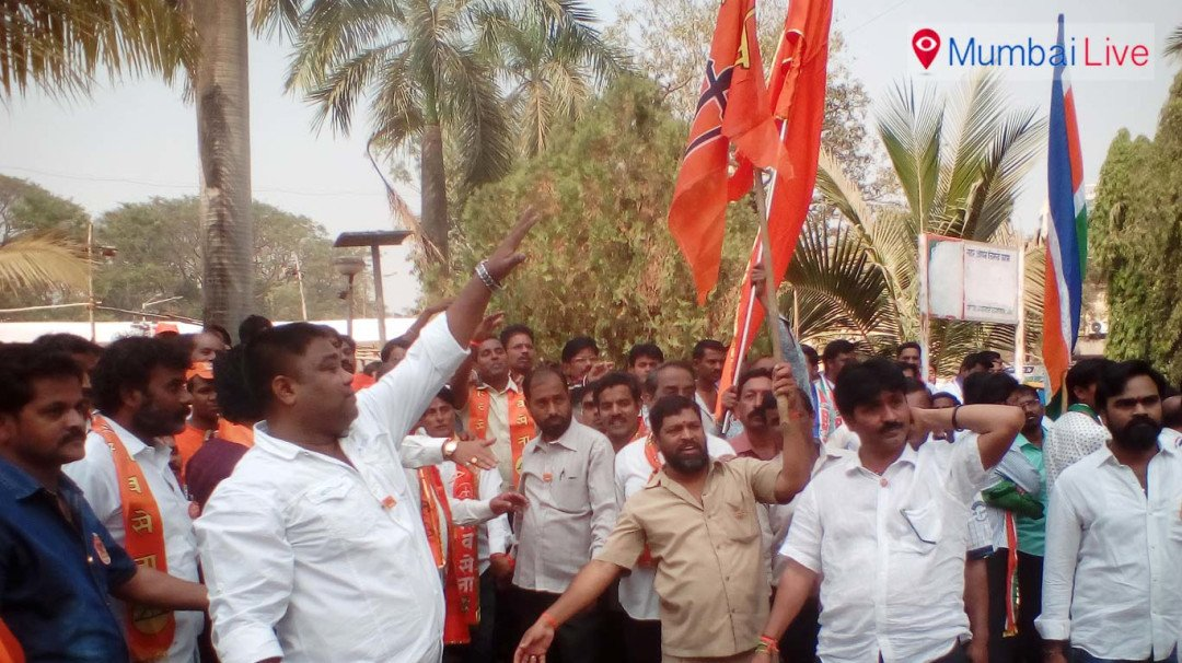 Shiv Sainiks against Prabhakar Shinde