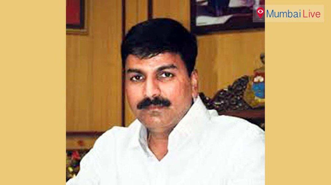 'मुख्यमंत्री देवेंद्र फडणवीसांनी मुंबईकरांना फसवलं'