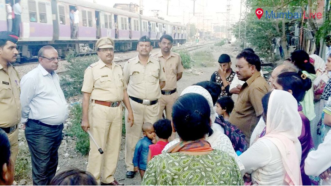 Wadala railway police educate slum dwellers on safety norms