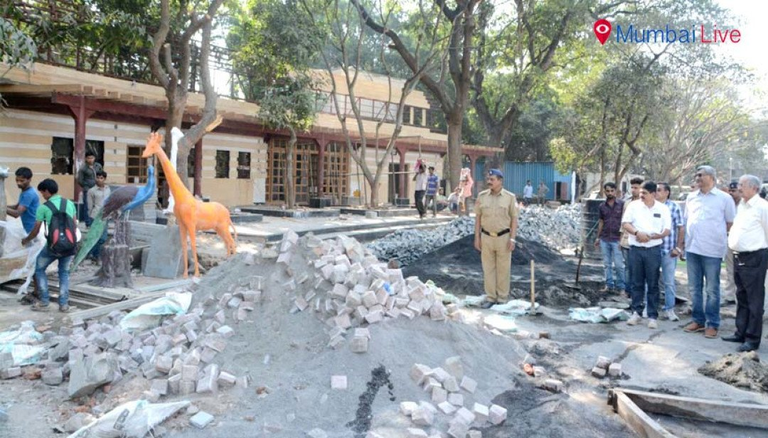 Subhash Desai inspects Byculla zoo
