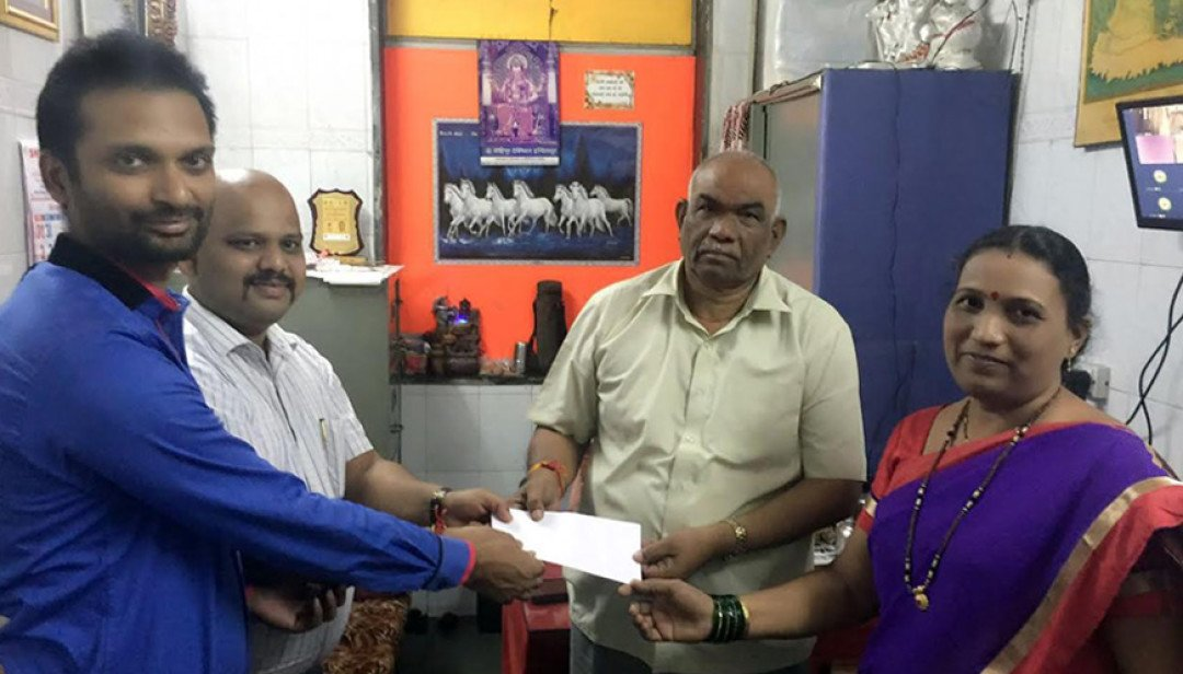 Underprivileged Dahisar students get donation