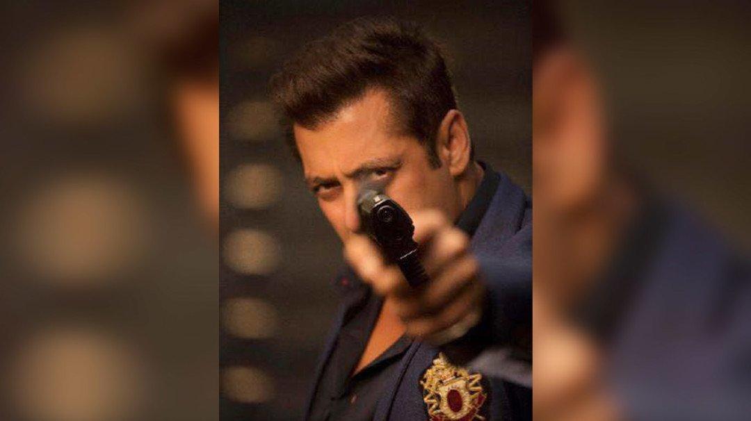 Salman Khan reveals the first look of Race 3