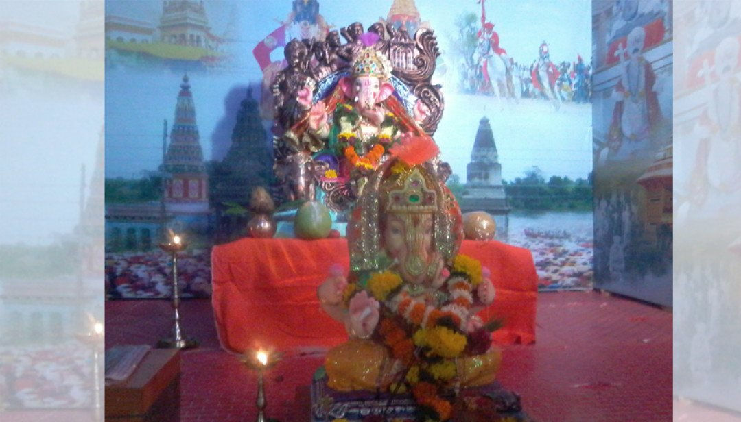 Saint throne for Bappa!