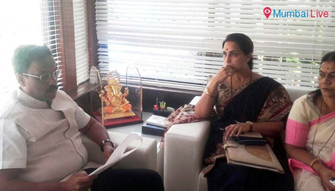 Chitra Wagh seeks action against teacher