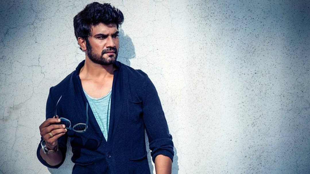 Television content is stale: Actor Sharad Kelkar