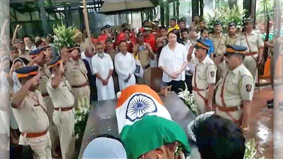 Image result for राजकीय सम्मान के साथ किया गया अंतिम संस्कार
