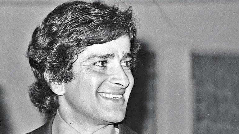 Shashi Kapoor funeral : Bollywood celebrities bids adieu to the evergreen actor
