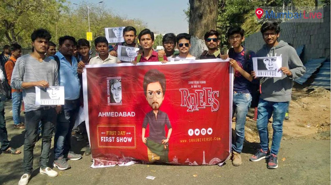 Shah Rukh Khan in Ahmedabad for 'Raees' promotion