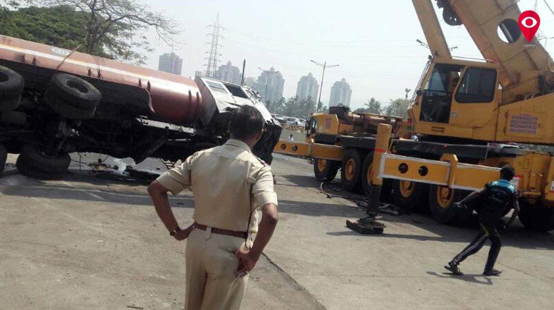 Tanker topples, causes traffic jam in Kandivali