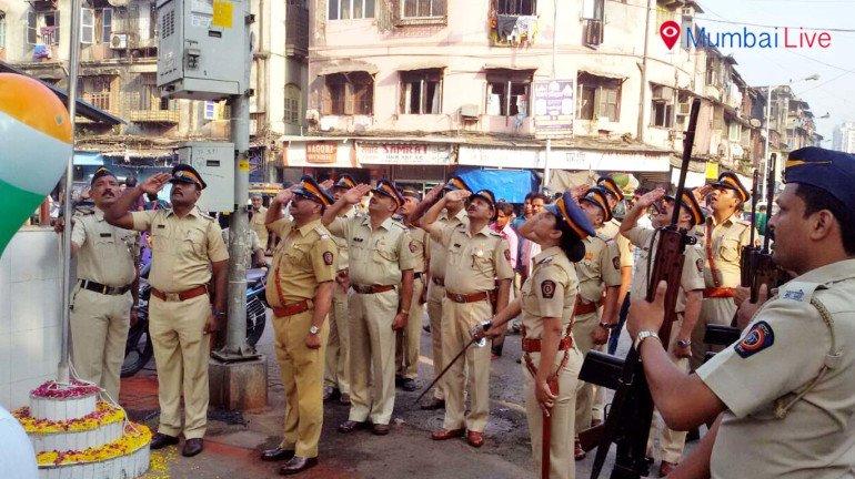 वीपी रोड पुलिस स्टेशन में मनाया गया गणतंत्र दिवस