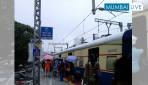 वडाला स्टेशन पर छत नहीं ।
