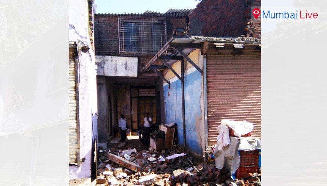 BMC razes shops, shop owners protest