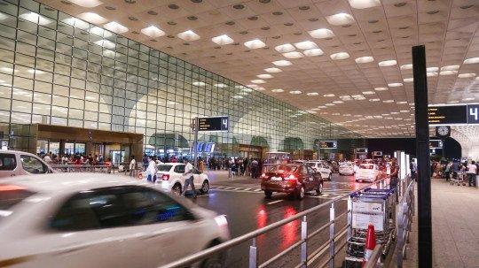 मुंबई में विदेशी यात्रियों के लिए नए नियम | Mumbai Live