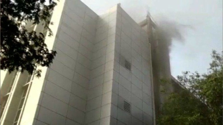 MTNL building at Bandra catches fire; 60 people rescued so far