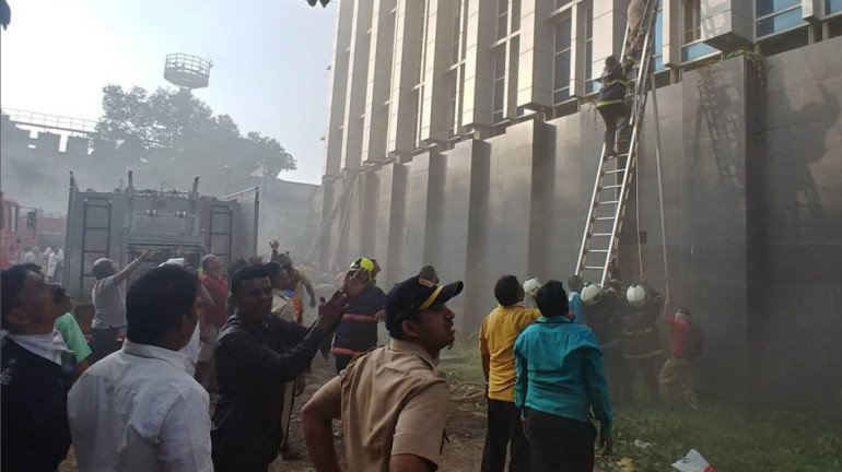 Fire breaks out near Kamala Mills Compound; No injuries reported