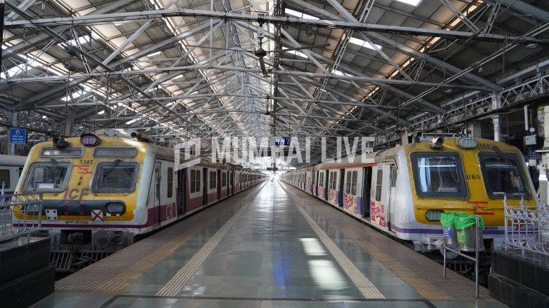 Mumbai Locals: Protest on August 15 for the resumption of services for ordinary citizens
